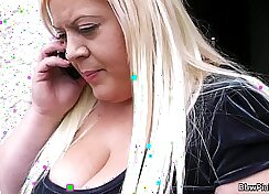 bbw teen blonde showing her candid hands and tits