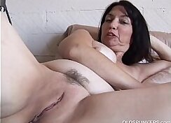 Cocksush In Young Brunettees Pussy