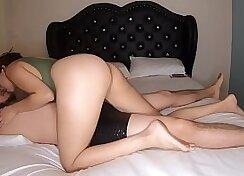 Broke Sisters Body Messy Posing Webcam Video