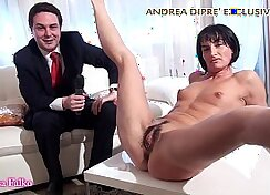 Amanda sexy milf playing with her own vagina