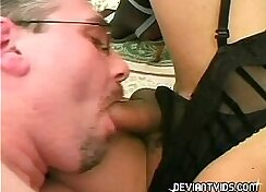 Amateur couple fuck in a bisexual love action