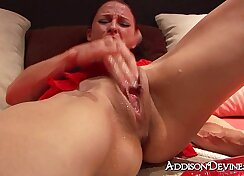 good vid of ex girlfriend squirting while talking on the phone