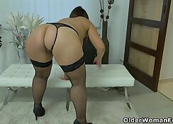 Blonde MILF With Heavy Clit - Infrared