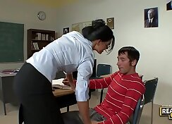 Bubbly brunette India Summer is fucked mish on the floor