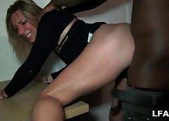 Sextape d\'une blonde entrain de se faire defoncer par un black