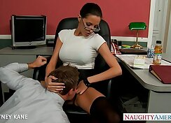 Concupiscent babe gets satisfied in the office with pleasure